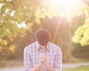 Człowiek bez modlitwy uwielbienia nie żyje